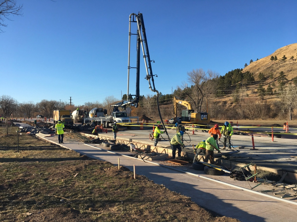 Mainline Concrete Pour on Omaha Street 2020-12-02